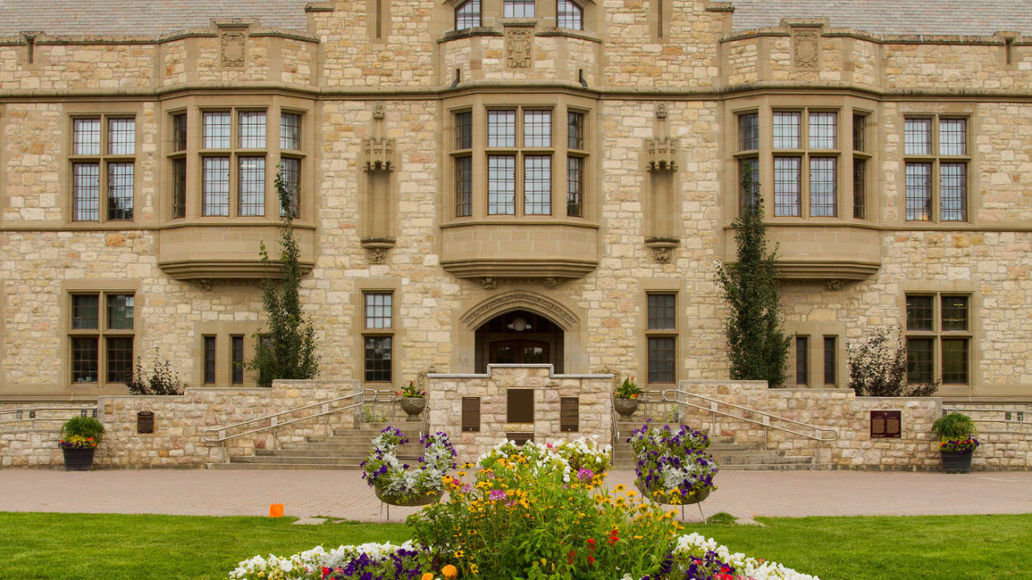 Saskatoon Hotels: 7 Fun and Practical Things to Do with Your U of S Student